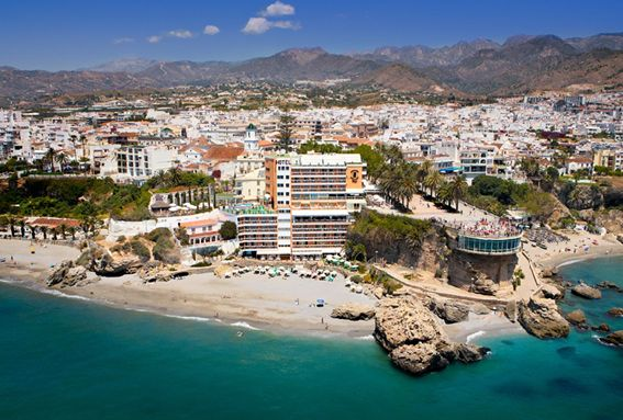 Hotel Balcón de Europa y playas de Nerja