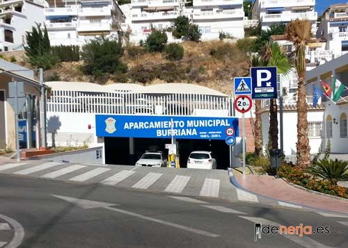 Parking Playa Burriana en Nerja