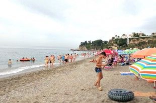 Playa Burriana de Nerja