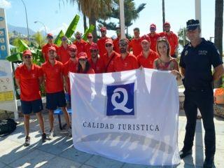 Las banderas Q de calidad ya ondean en las playas de Nerja