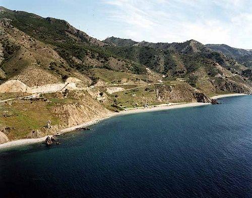 Playa Las Alberquillas en Nerja