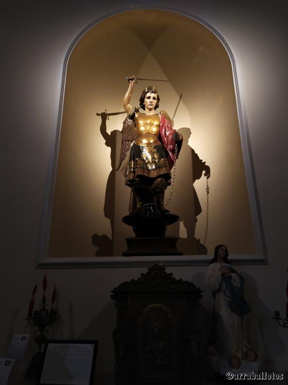 San Miguel en Interior de la Parroquia El Salvador de Nerja